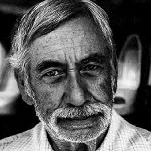 Mysterious old man (black/white photo)